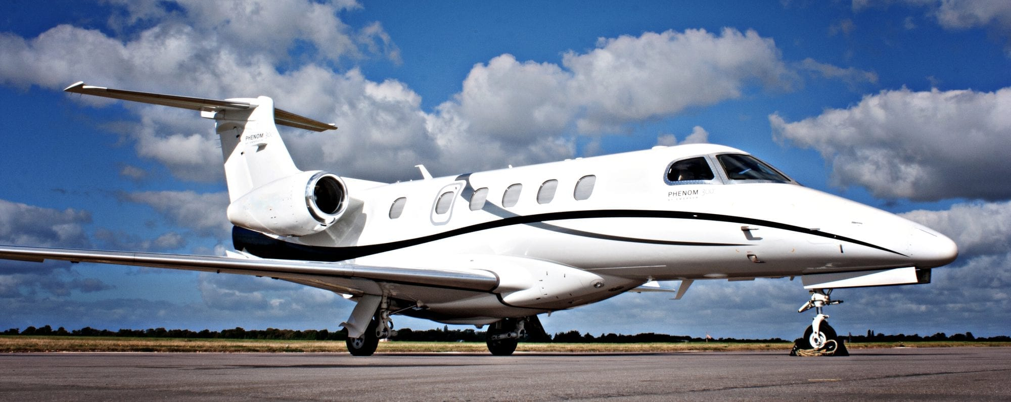 embraer Phenom 300 aircraft for sale